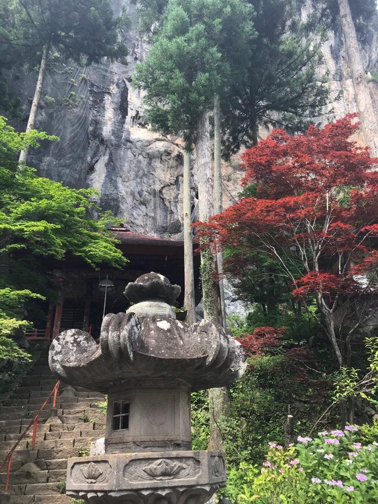 橋立堂の岩壁